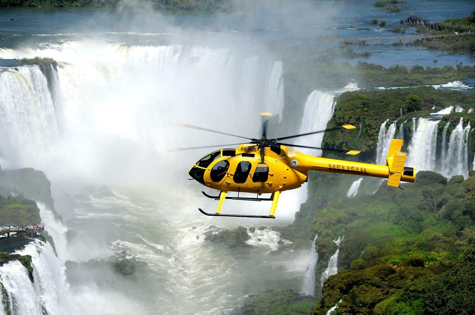 ImageVoo sobre as Cataratas do Iguaçu é com a Helisul. Saiba mais-voo-sobre-cataratas-foz-030717