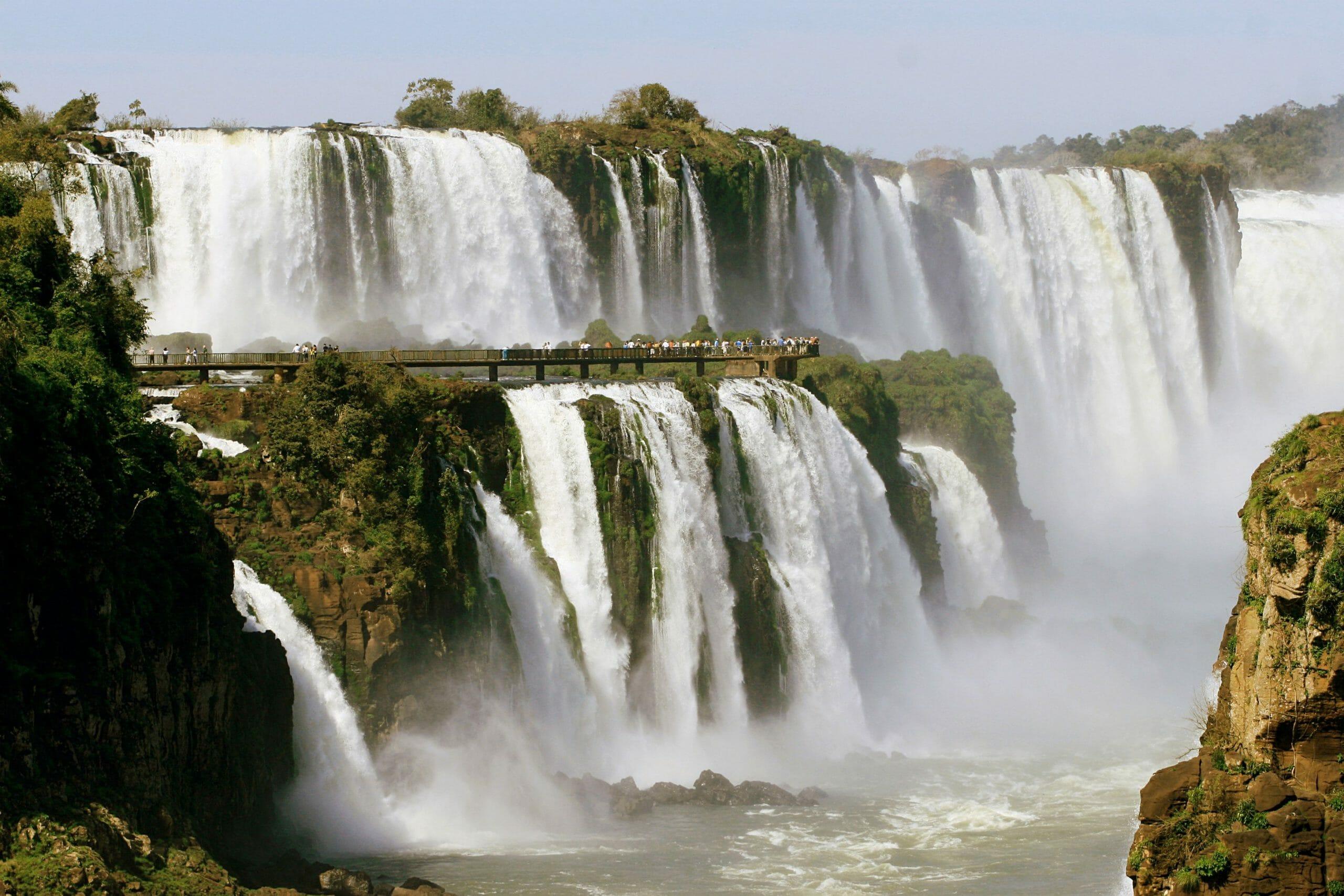 Quais são os 4 passeios em Foz do Iguaçu que você não pode deixar de fazer cataratas
