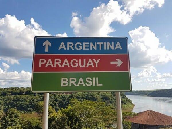 Documentos para entrar na Argentina: o que é realmente preciso? placa de orientação