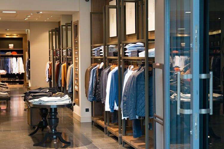 Confira os principais shoppings da Tríplice Fronteira para ir às compras