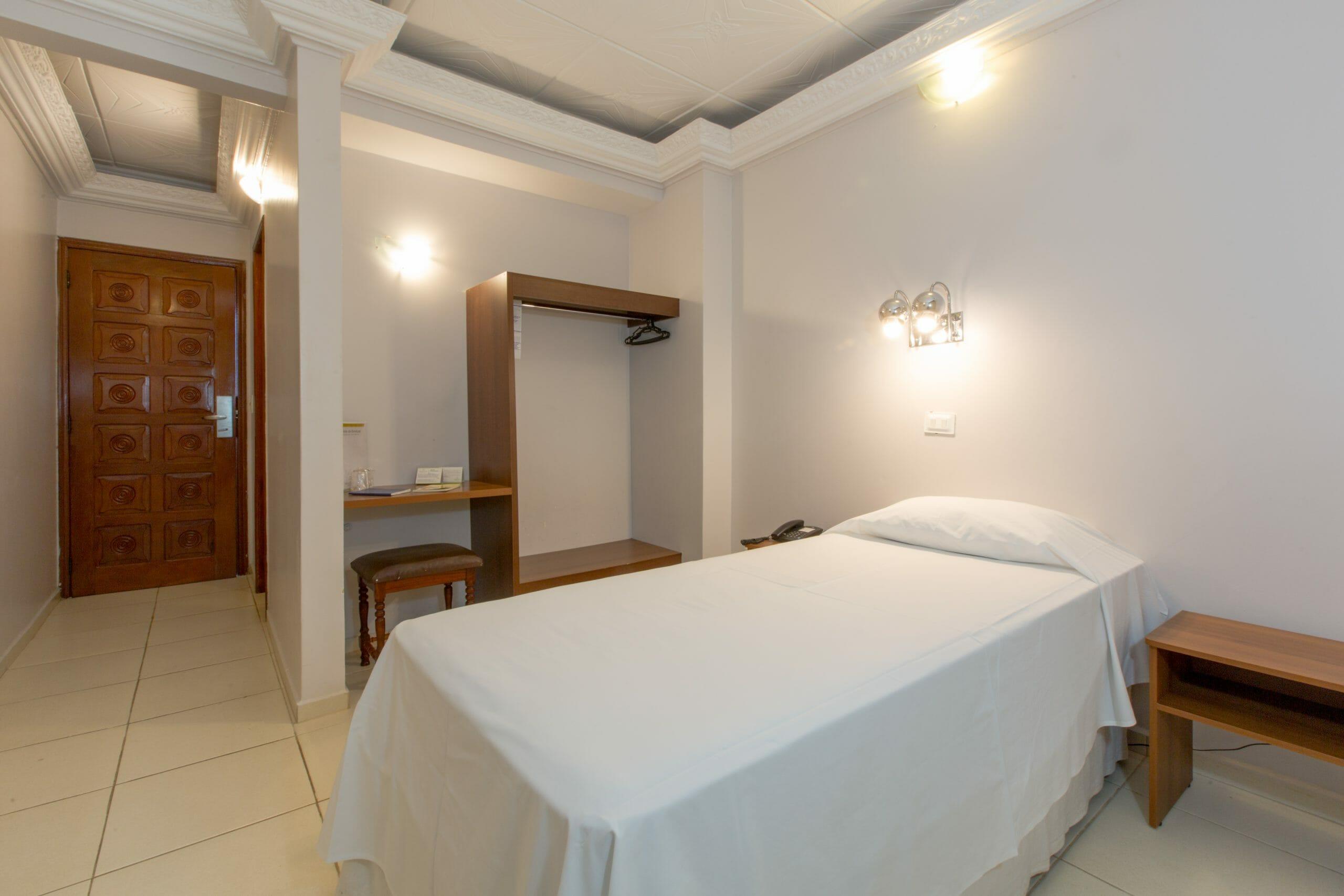 Procurando por hotel no centro de Foz do Iguaçu? O Mirante Hotel é a sua melhor opção! apartamento individual