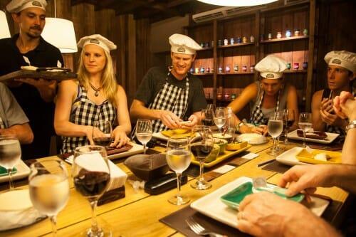 , Vai jantar em Puerto Iguazú? Confira 10 dicas de restaurantes., Passeios em Foz do Iguaçu | Combos em Foz com desconto