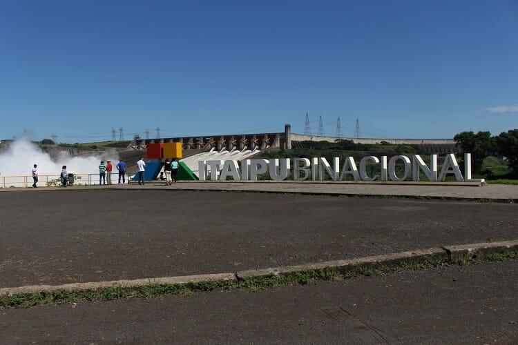 ITAIPU, ITAIPU: PEDRA QUE CANTA. VAMOS CONHECER SUA MAGNITUDE DE PERTO., Passeios em Foz do Iguaçu | Combos em Foz com desconto