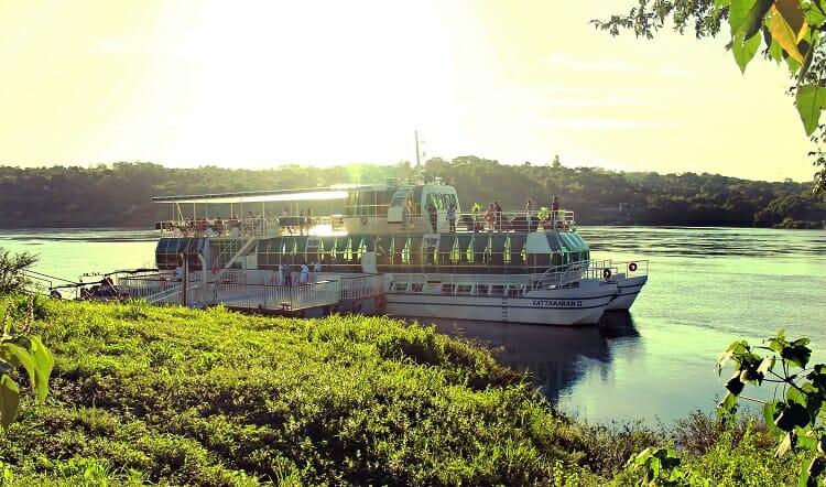 Passeio de barco, Passeio de barco: Kattamaram I e II, Passeios em Foz do Iguaçu | Combos em Foz com desconto, Passeios em Foz do Iguaçu | Combos em Foz com desconto