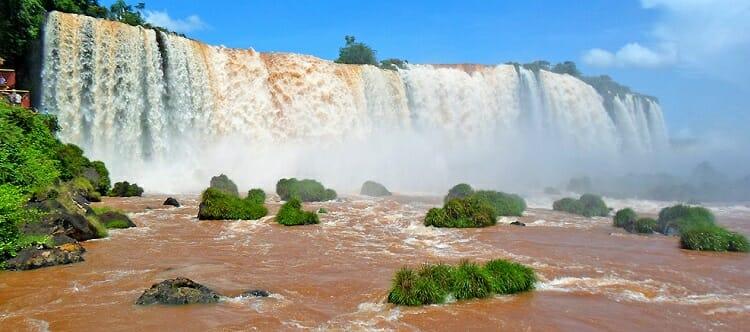 GUIA COMPLETO DE VIAGEM: Veja 7 dicas imperdíveis de passeios e curiosidades sobre Foz do Iguaçu