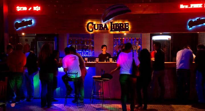 Quer curtir a noite em Puerto Iguazú? Confira 15 dicas.