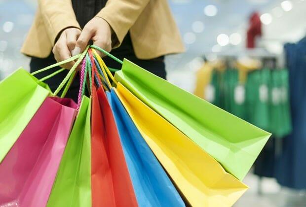 Saiba quais os riscos de comprar em lojas não confiáveis no Paraguai.