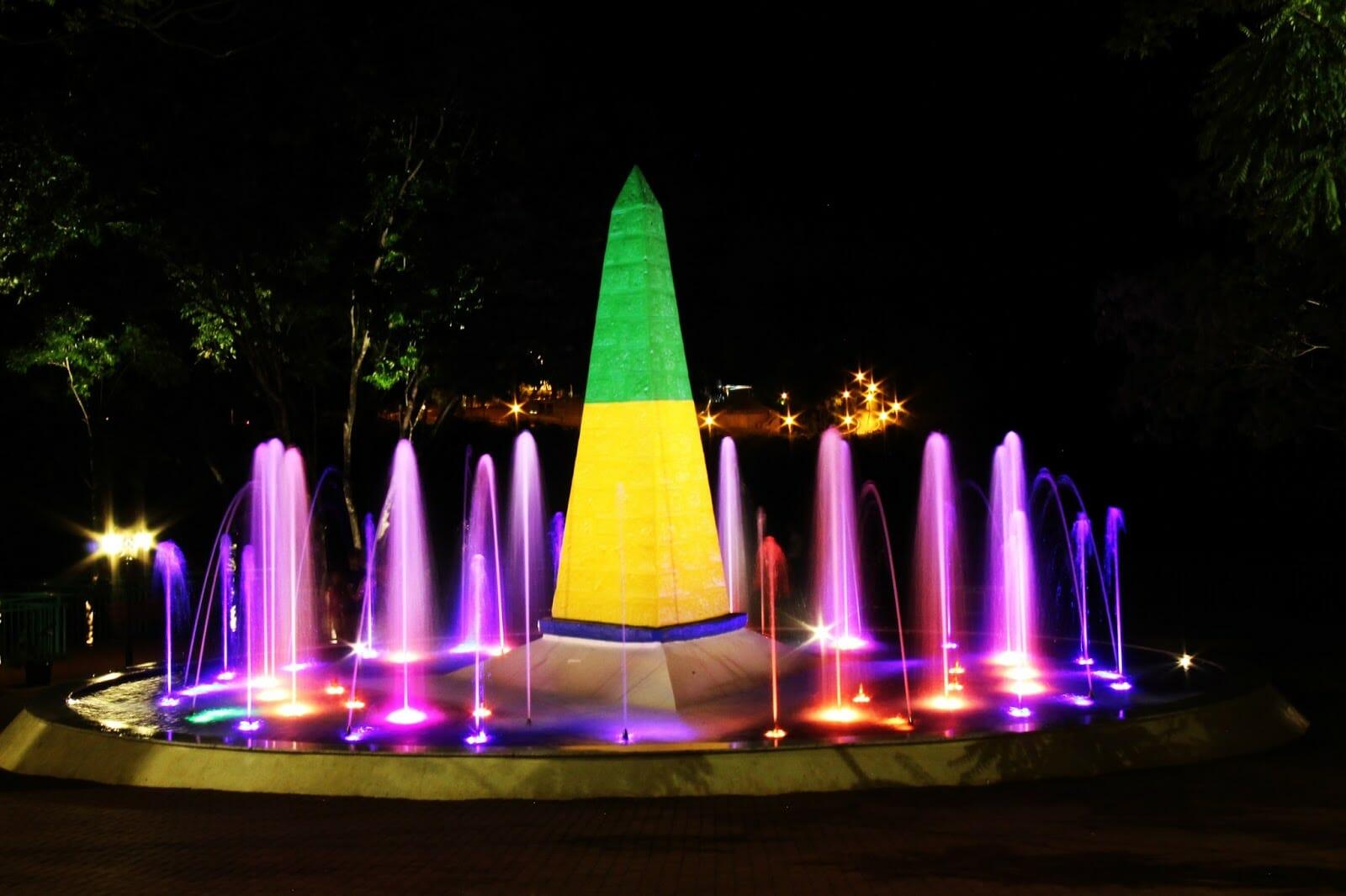 07 dicas do que fazer em Foz do Iguaçu à noite. Confira! Marco das Três Fronteiras