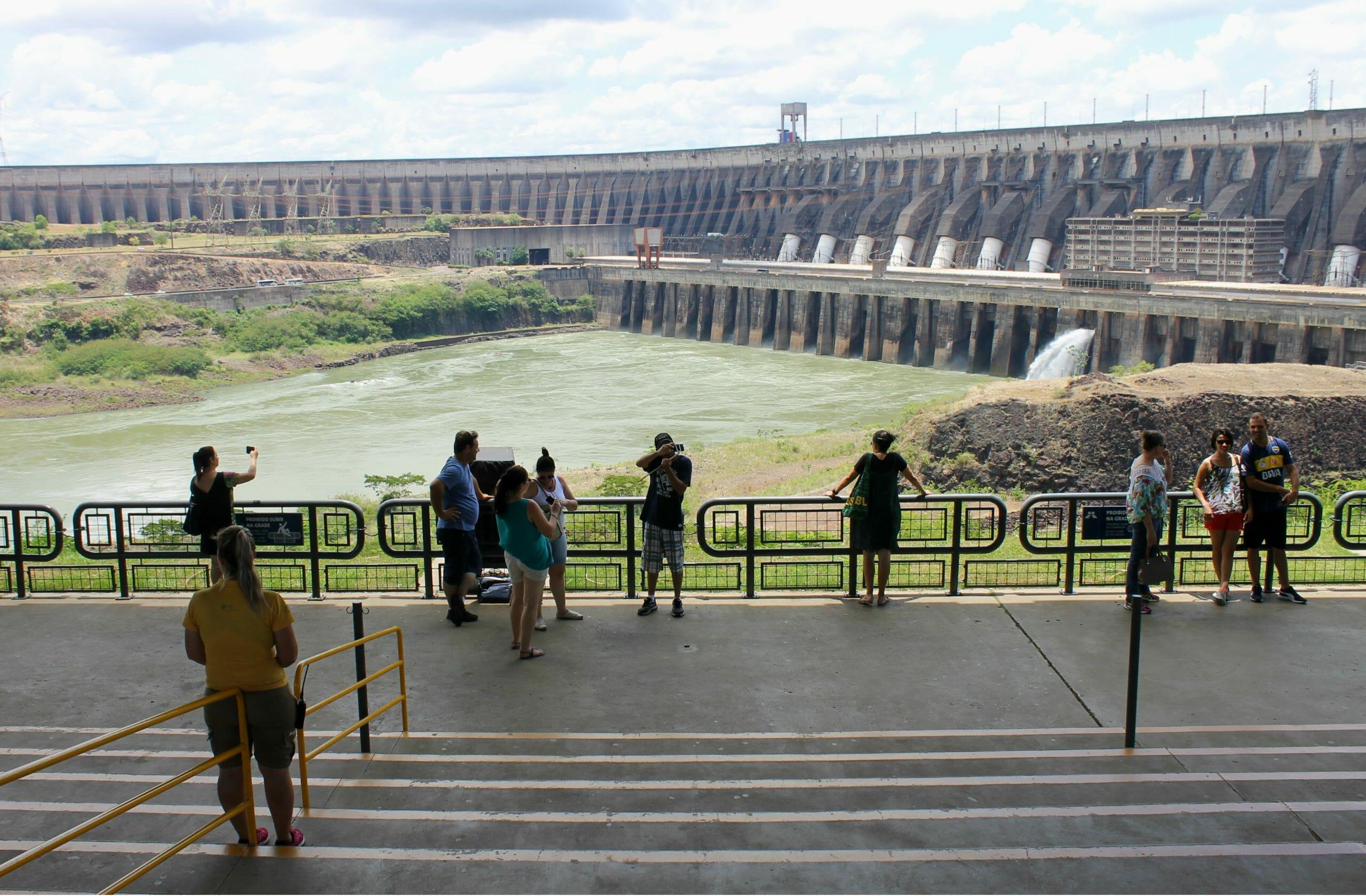 Top 05 melhores passeios em Foz do Iguaçu e região barragem de itaipu