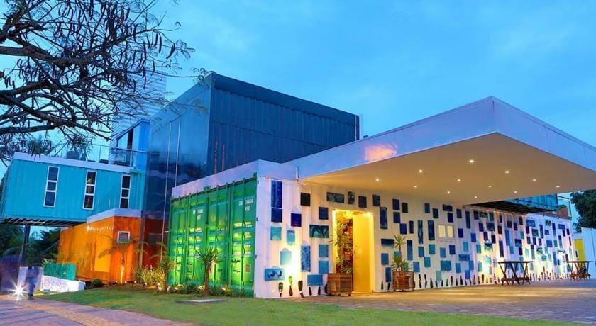09 motivos para você JAMAIS querer conhecer Foz do Iguaçu Tetris Container Hostel