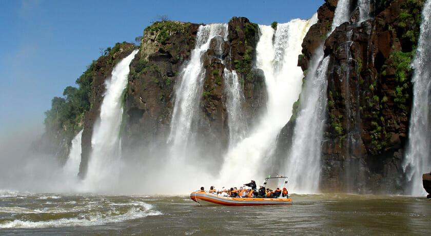 09 motivos para você JAMAIS querer conhecer Foz do Iguaçu Macuco Safari
