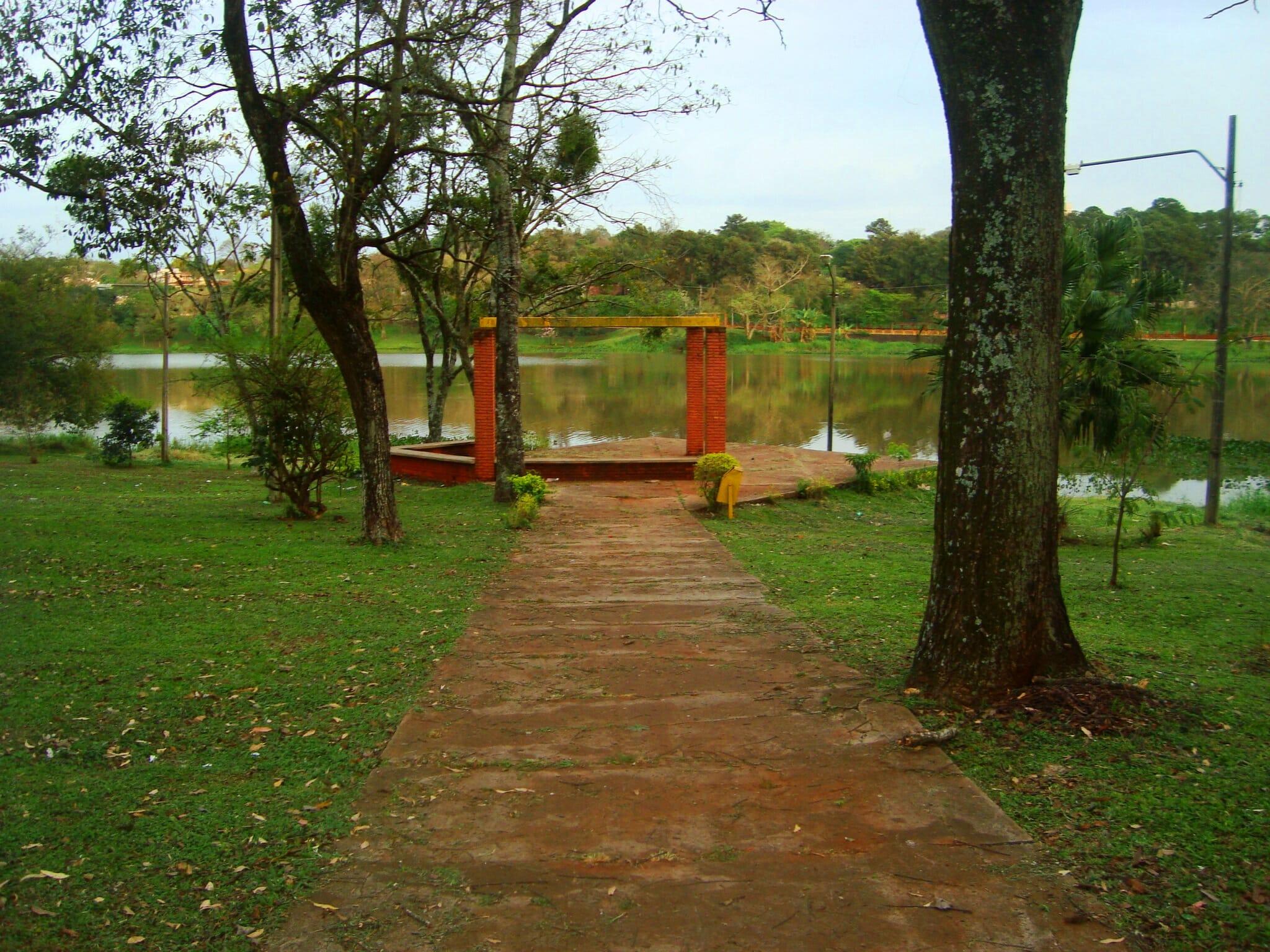 Saia da rota de compras no Paraguai e descubra o que mais ele tem a oferecer lago