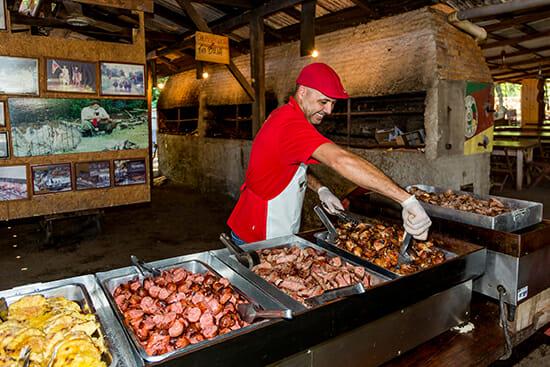 , 8 churrascarias que você precisa conhecer ao viajar para Foz do Iguaçu, Passeios em Foz do Iguaçu   Combos em Foz com desconto, Passeios em Foz do Iguaçu   Combos em Foz com desconto