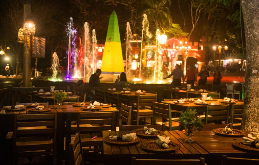 Um belo lugar para apreciar a vista enquanto come uma refeição deliciosa no Restaurante Cabeza de Vaca.