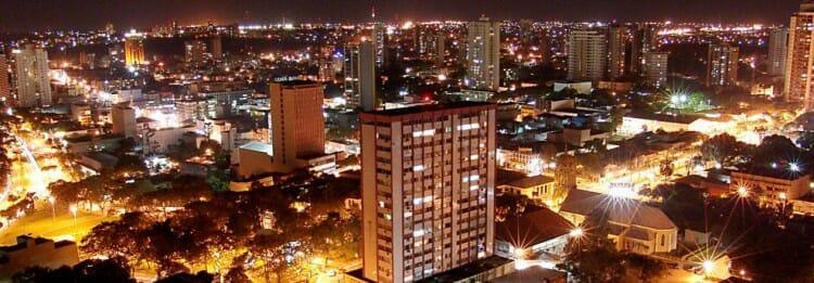 , Vai viajar para Foz do Iguaçu e quer curtir a vida noturna na cidade? Confira nossas 15 dicas., Passeios em Foz do Iguaçu | Combos em Foz com desconto