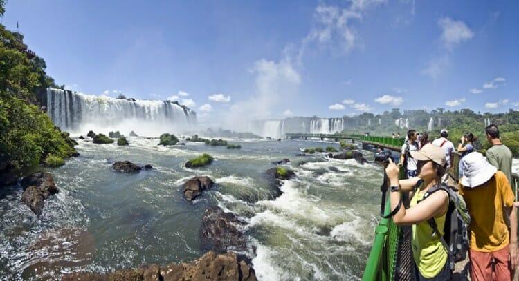 , As Cataratas do Iguaçu (Parque Nacional) recebeu mais de 26 mil visitantes durante a Semana Santa, Passeios em Foz do Iguaçu | Combos em Foz com desconto, Passeios em Foz do Iguaçu | Combos em Foz com desconto