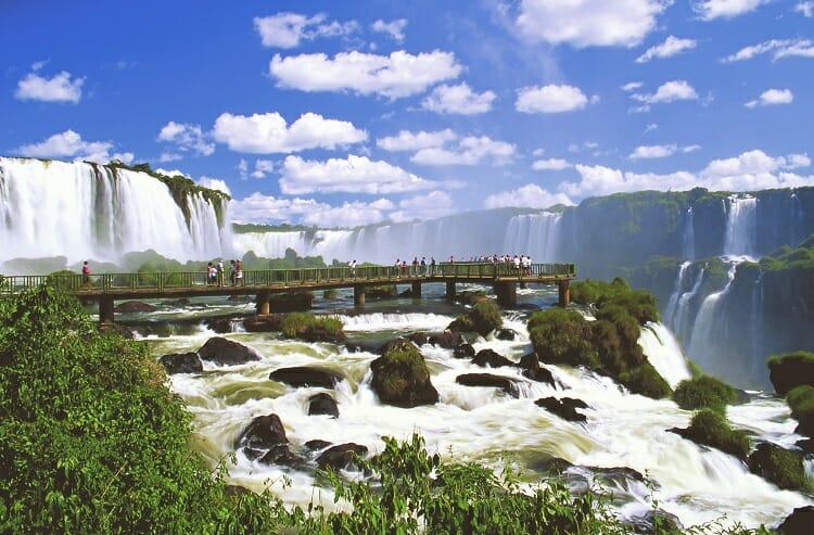 Cataratas, Cataratas do Iguaçu: Passeios dentro do Parque Nacional do Iguaçu, Passeios em Foz do Iguaçu | Combos em Foz com desconto