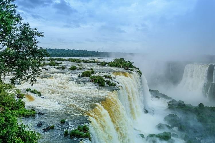 Lenda das Cataratas do Iguaçu, Lenda das Cataratas do Iguaçu sobre Naipi e Tarobá, Passeios em Foz do Iguaçu   Combos em Foz com desconto