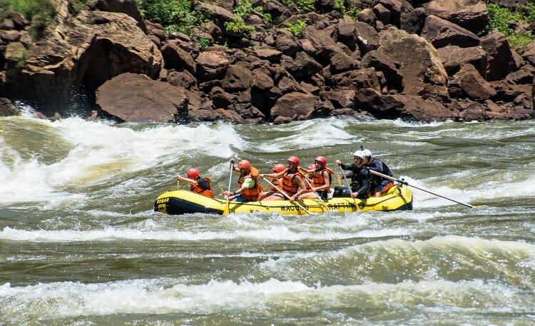 Rafting   esporte de aventura