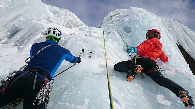 esporte de aventura: escalada   alpinismo