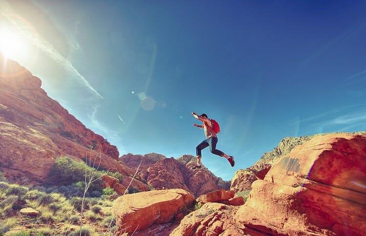 Caminhadas em meio a natureza   esporte aventura