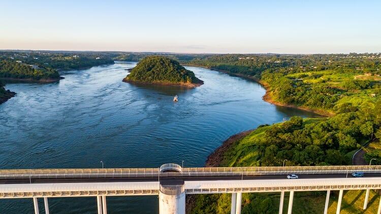 Ponte da Amizade | O que vale a pena comprar no Paraguai