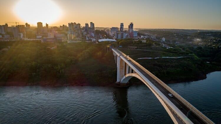 fronteira/ Paraguai/ compras