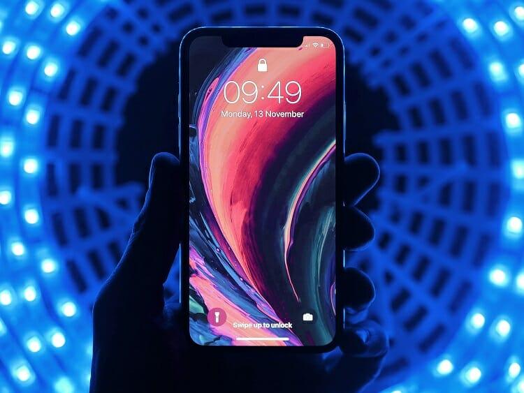 Iphone/ Apple/ Fronteira/ Dólar