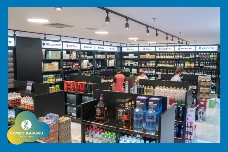 Área de bebidas no free shop do shopping em Foz do Iguaçu.