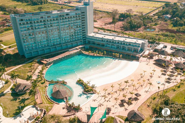 Vista panorâmica do Hotel localizado dentro do Blue Park.