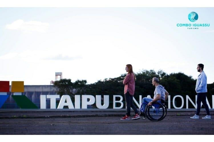 Outro lugar que será visto ao visitar a Itaipu, o Vertedouro.